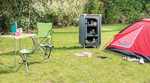Retrouvez les 10 accessoires de camping incontournables - Blog La Foir'Fouille - conseils déco plein air