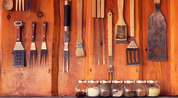 On adore : les 6 accessoires de barbecue indispensables