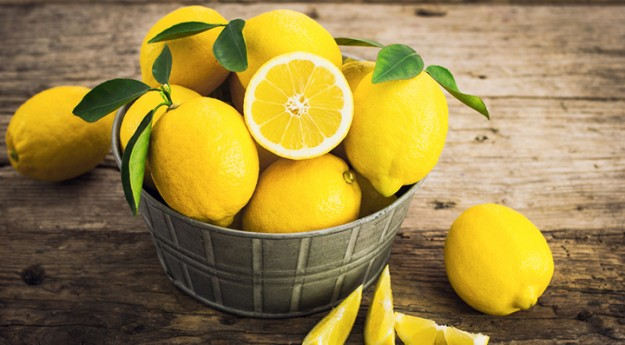 On adore : 7 bienfaits du citron pour l'adopter
