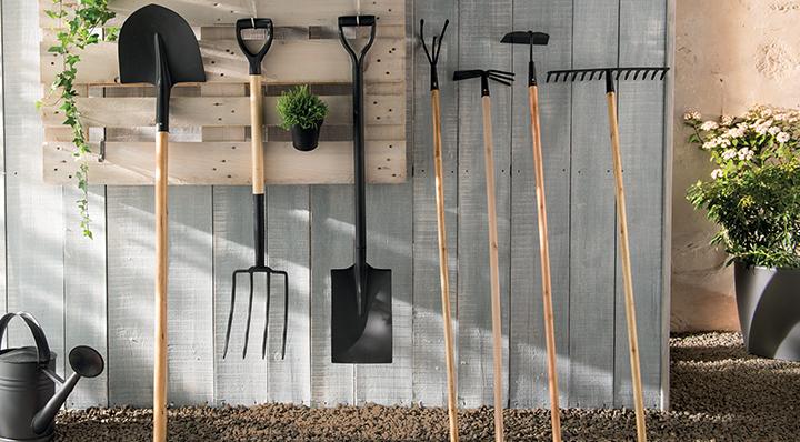 Outils de jardinage l 39 quipement indispensable for Foir fouille salon de jardin