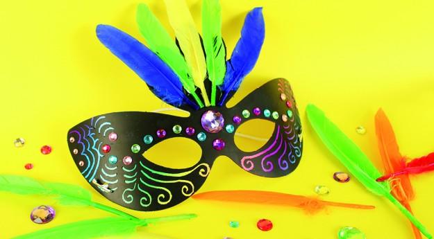 DIY : Un masque de carnaval personnalisé
