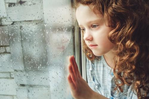 10 idées d'activités à faire avec les enfants quand il pleut - Conseils - Blog La Foir'Fouille