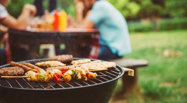 Conseils : 8 accessoires indispensables pour le barbecue
