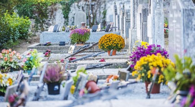 Conseils: 3 façons d'honorer la mémoire d'un défunt