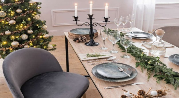 Style: Une déco de table naturelle pour un Noël en forêt
