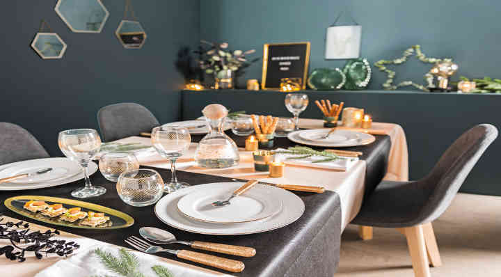 Une table de Noel chic en or - Style - Blog La Foir'Fouille