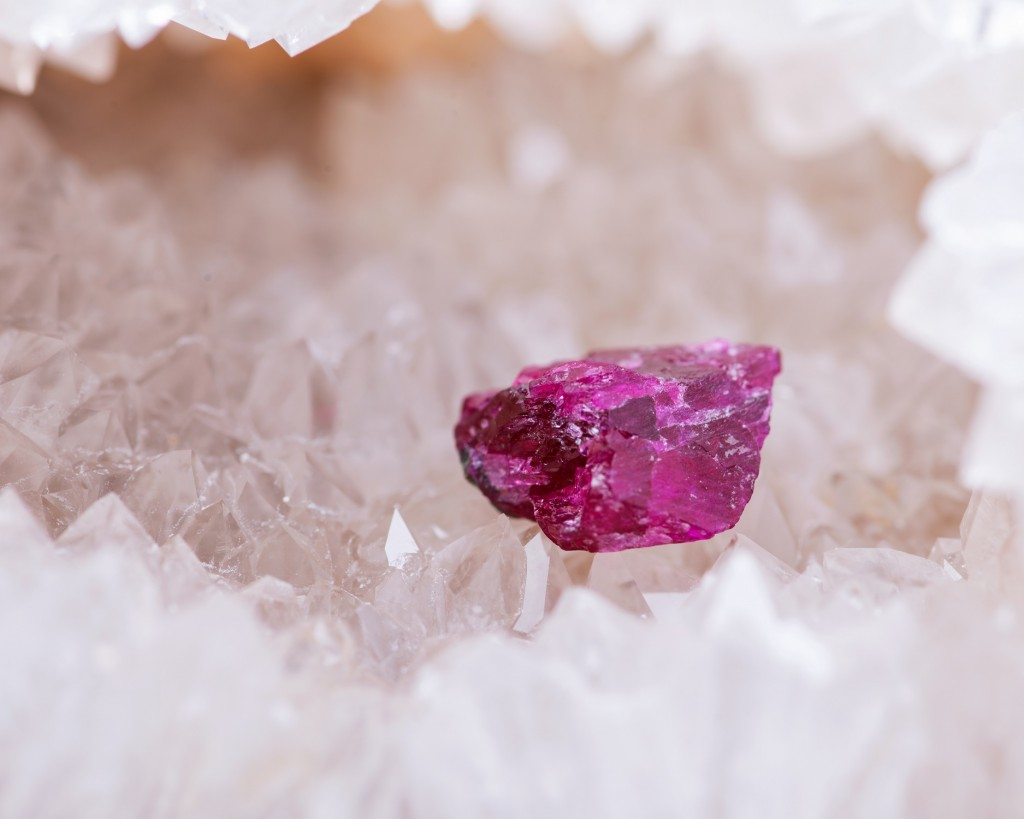 Grotte au trésoir blog Foir'Fouille - DIY - Fabriquer ses cristaux déco