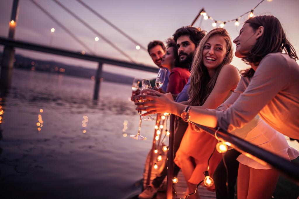 Sunset - On adore - Nos essentiels pour un apéritif rafraichissant entre amis