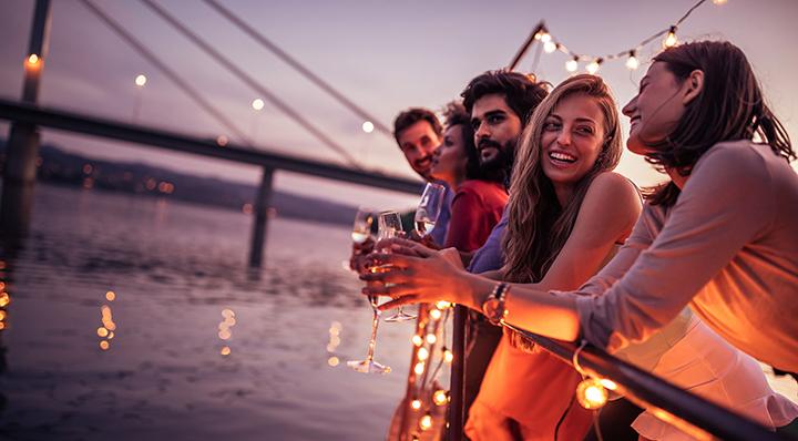 On adore - Nos essentiels pour un apéritif rafraichissant entre amis - Sunset