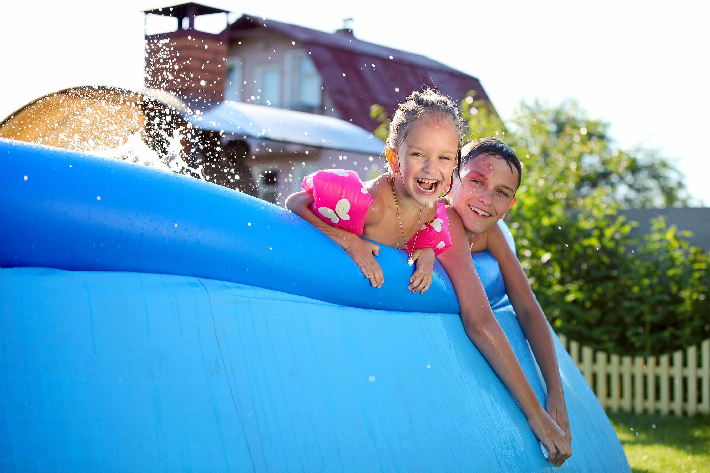 Piscine - On adore - 5 jeux d'eau pour rafraichir les enfants