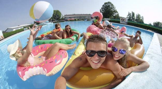 Conseils: Organiser une pool party réussie