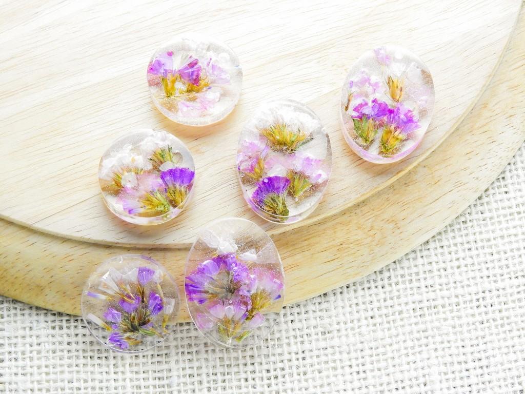 Fleurs prises - DIY - Fabriquer ses bijoux en résine