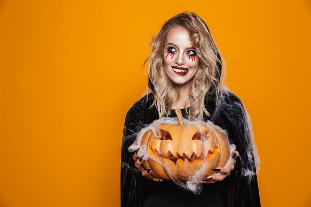 Witch - DIY - 3 décorations tendance pour vos citrouilles d'Halloween