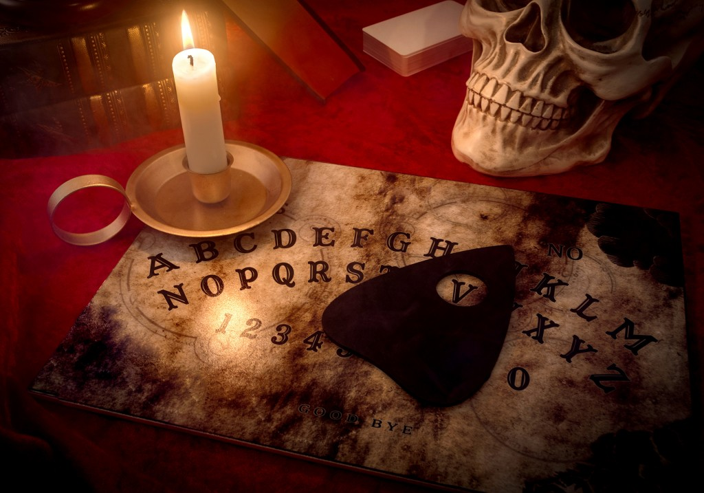Ouija - On adore - Profiter d'Halloween en tant qu'adulte