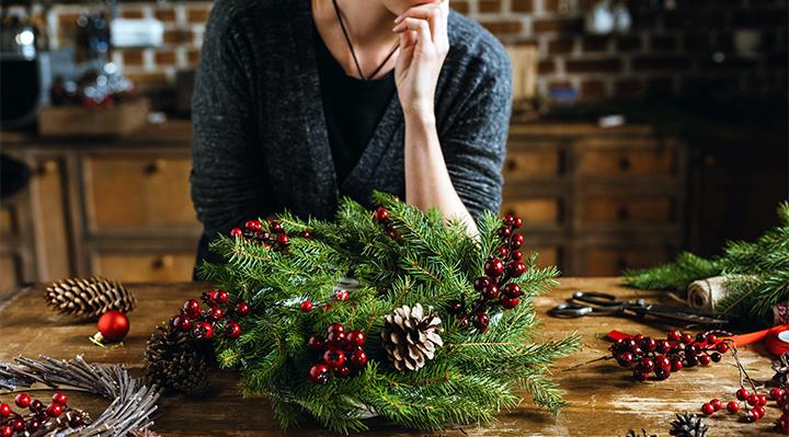 Atelier Foir'Fouille - DIY - Trois tutos de couronnes de Noël repérées sur Pinterest