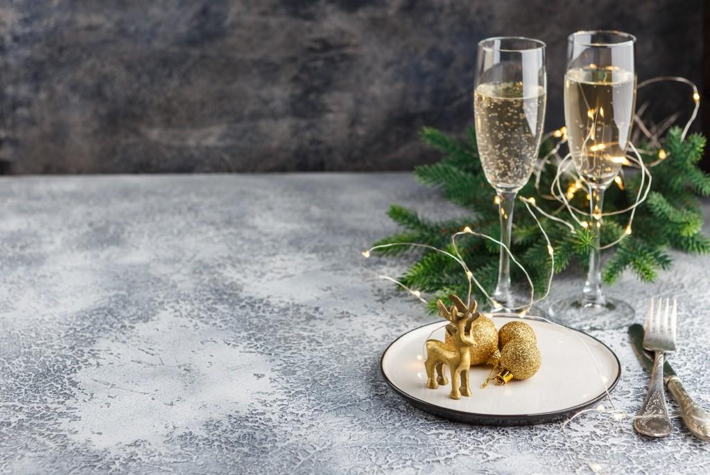 Prendre les rennes - Foir'Fouille - Conseils - Bien décorer sa table de Noël chic !