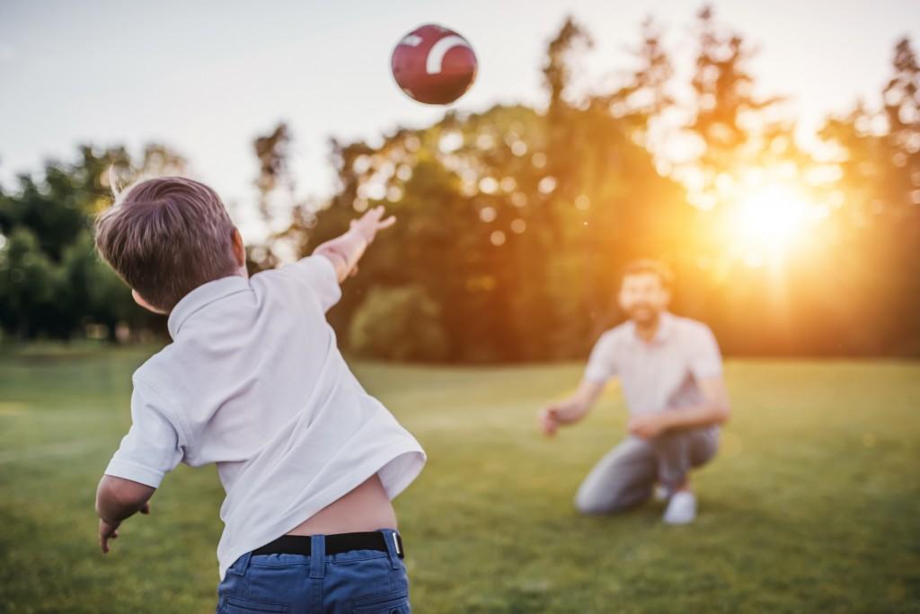 on adore - 5 jeux pour s'amuser en famille cet été - la foir'fouille