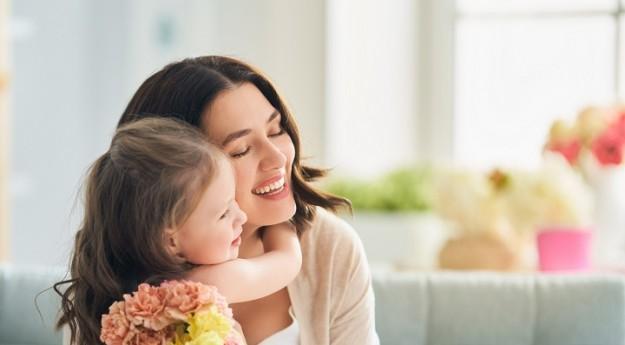 On adore : 10 cadeaux touchants pour la Fête des mères !