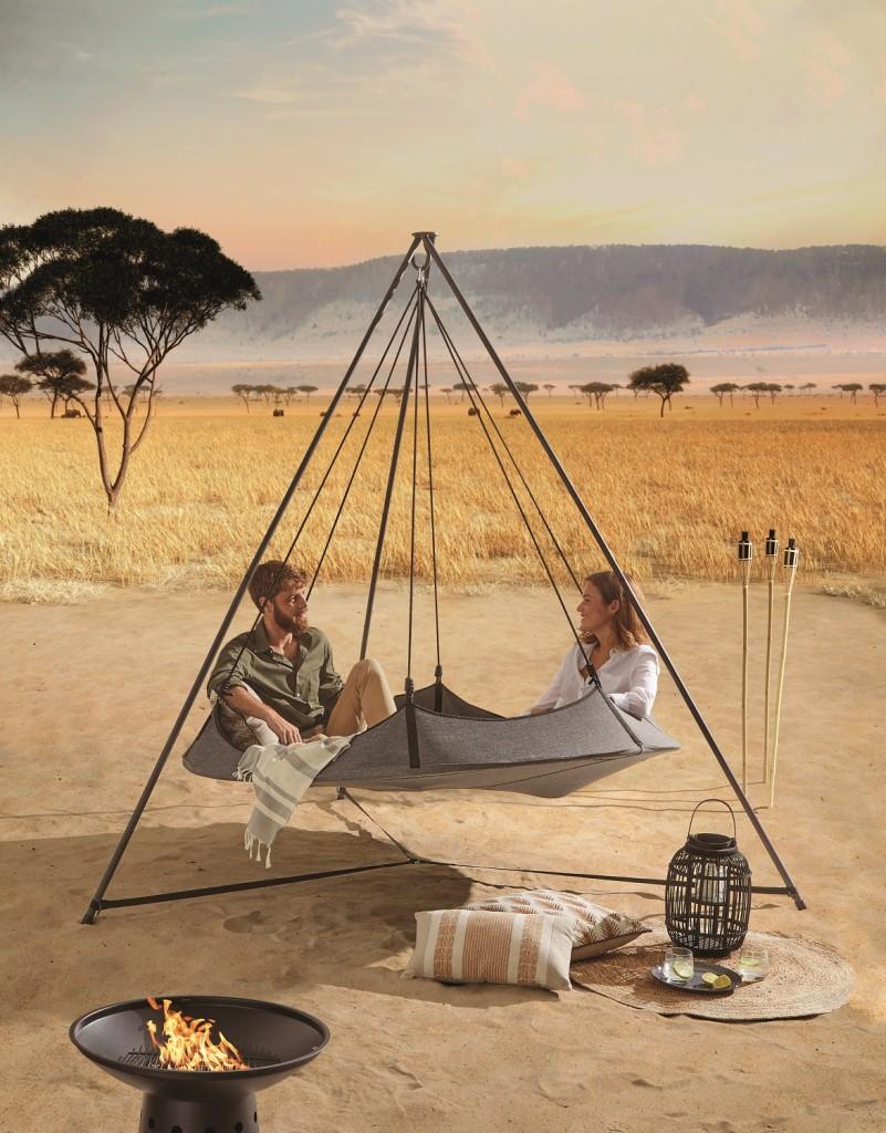 tipi suspendu style safari lodge
