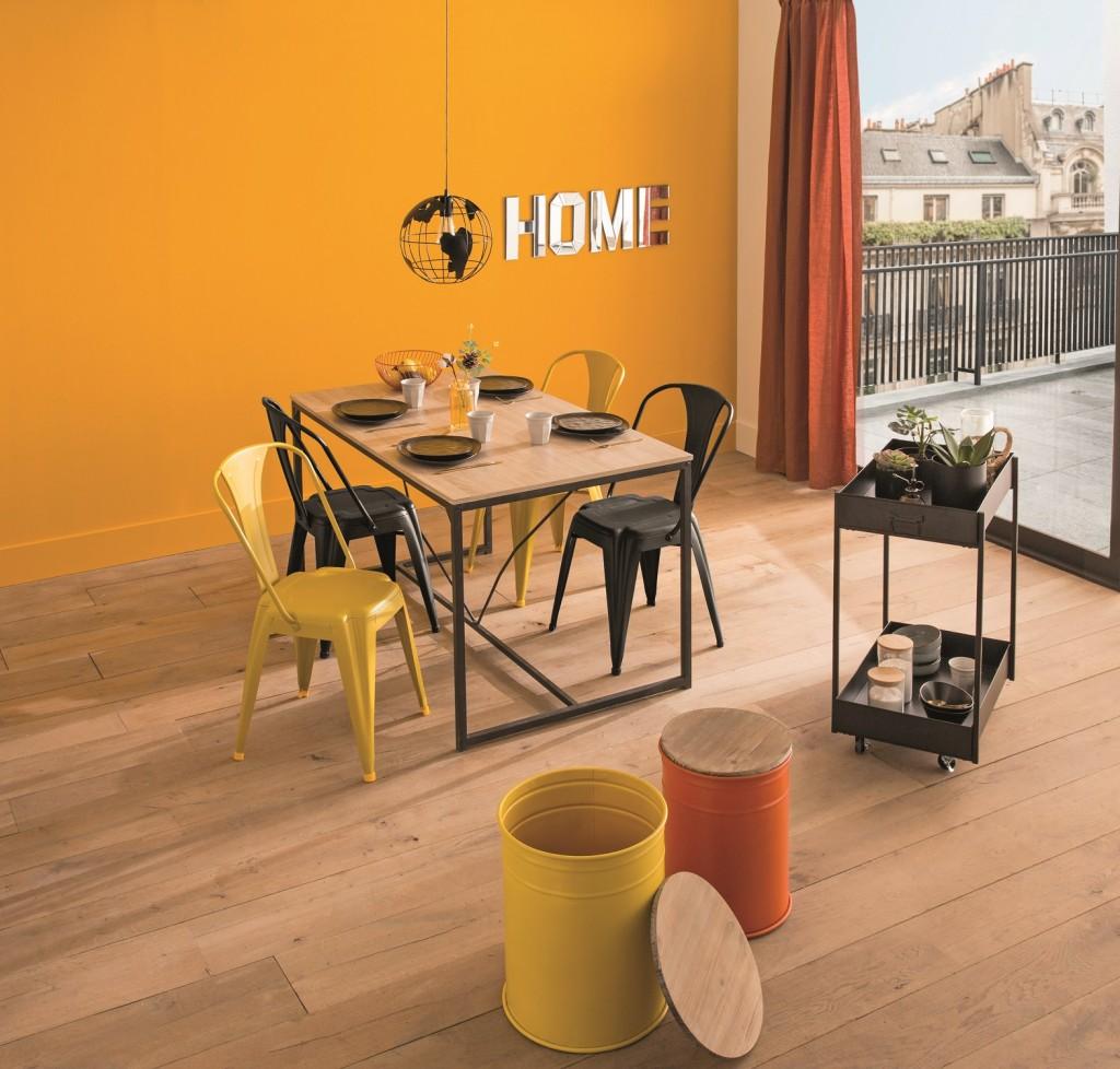 Du salon à la chambre, le style Pop Downtown exalte la couleur